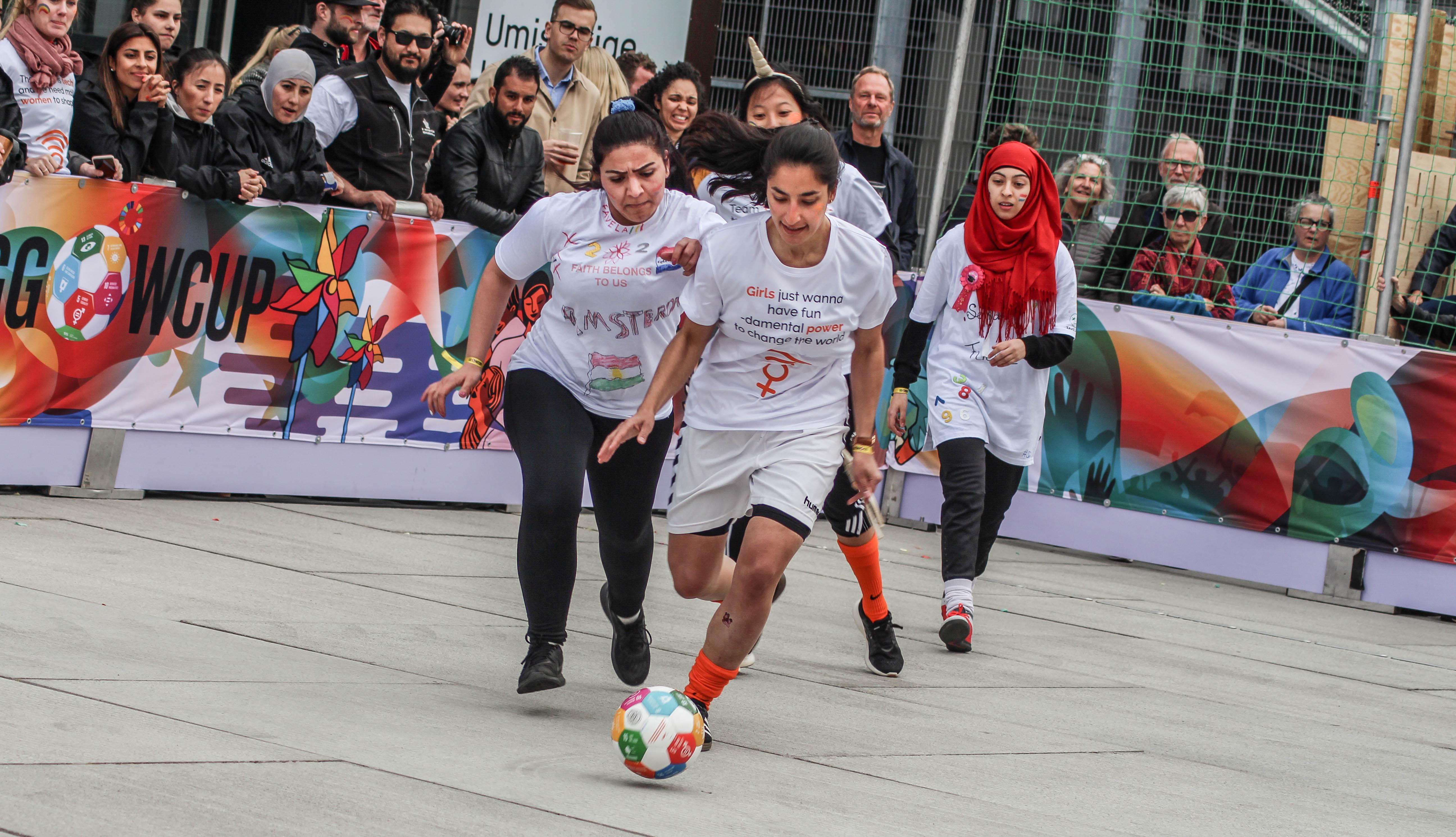 30 hold spillede i turneringen, hvor hvert hold spillede for ét af de 17 Verdensmål. Foto: Lauge Eilsøe-Madsen