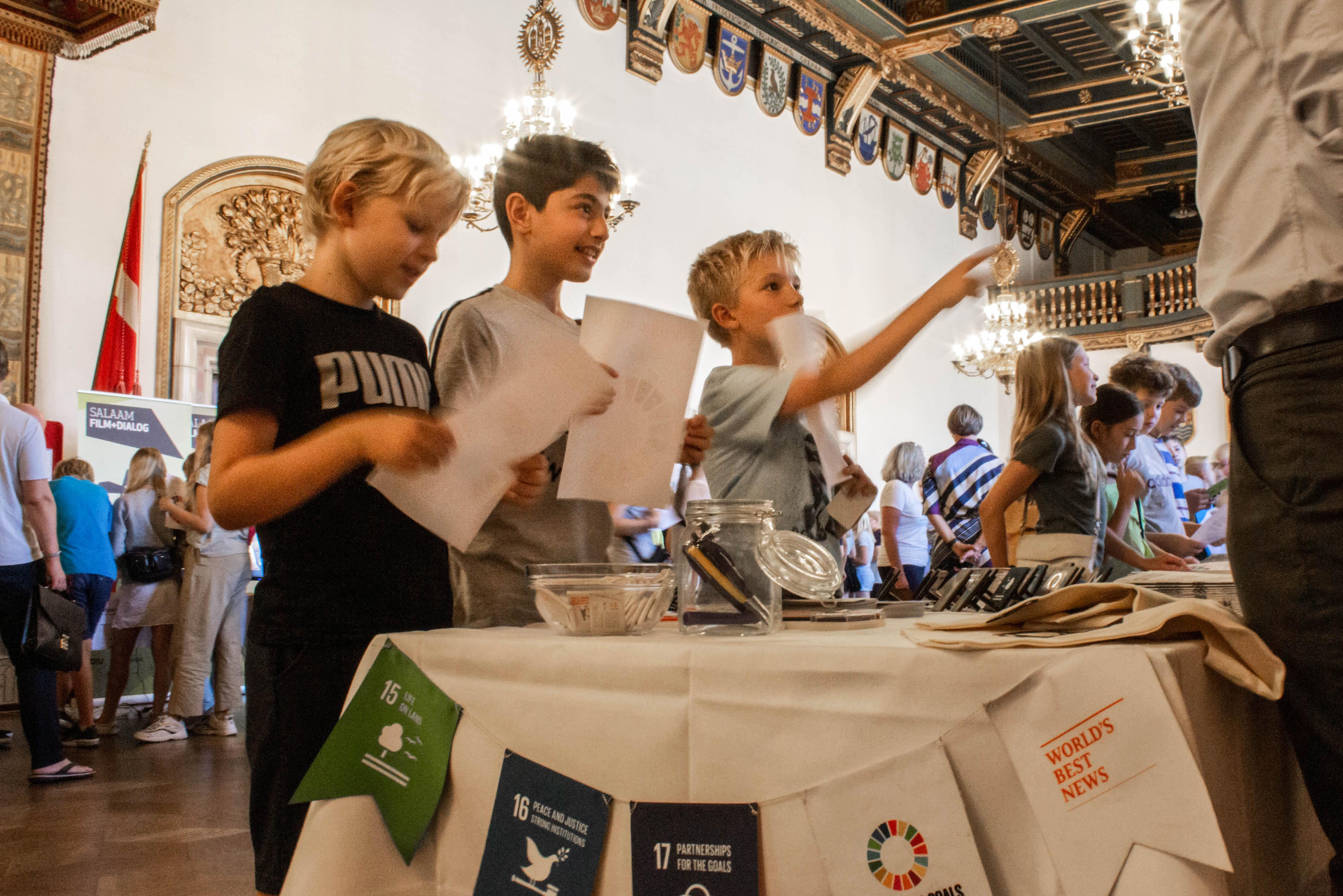 Skoleelever fra 5. klasse var på et stjerneløb under lancering af Verdenstimen. Foto: Lauge Eilsøe-Madsen